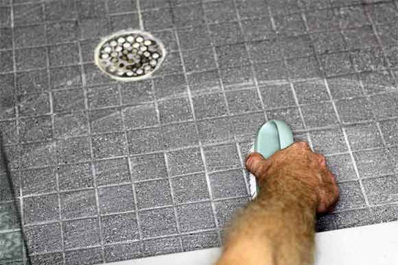 What to do before start cleaning dirty tiles