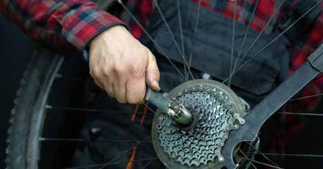 How To Repair A Broken Mountain Bike Chain
