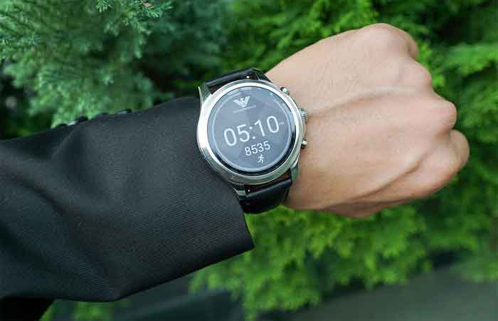 A Smartwatch can Receive Messages